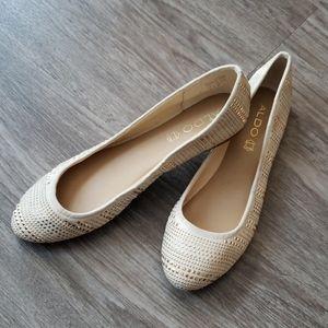 Aldo Leather Ivory Gold Studded Ballet Flats Glam